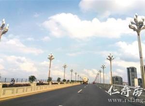 岷江一桥路灯安装已完毕 大桥实行双向临时...